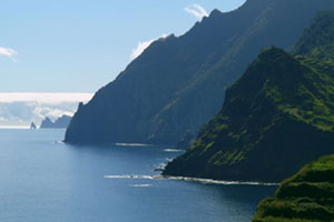 madeira-airport-routes-required-mountain-300x200