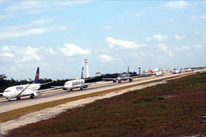 One of the runways at Cancún Airport